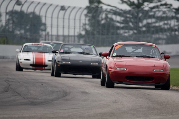Miata In The Pack At NHIS
