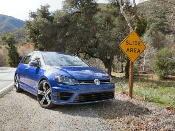 2015-Volkswagen-Golf-R-01